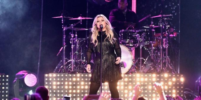 Kelly Clarkson at Zappos Theater at Planet Hollywood